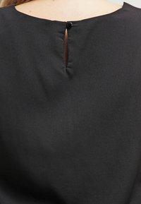 Zalando Essentials Curvy - Blouse - black - 4
