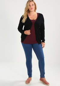 Zalando Essentials Curvy - Gilet - black - 1