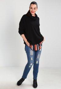 Zalando Essentials Curvy - Stickad tröja - black - 1