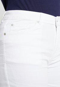 Zalando Essentials Curvy - Slim fit jeans - white - 5