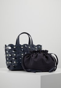 ZAC Zac Posen - BOUQUET  SOLID - Bolso de mano - parisian nights - 6