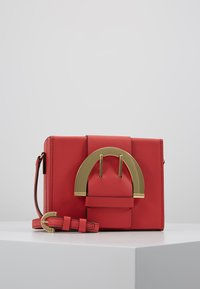 ZAC Zac Posen - BUCKLE LARGE BOX CROSSBODY - Umhängetasche - apple - 0
