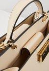 ZAC Zac Posen - EARTHETTE DOUBLE COMPARTMENT SATCHEL SOLID - Håndtasker - ivory
