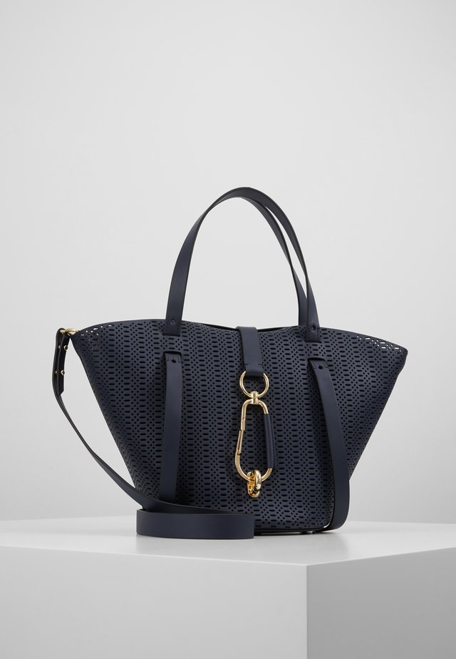 BELAY SMALL TOTE PERFORATION - Kabelka - parisian nights