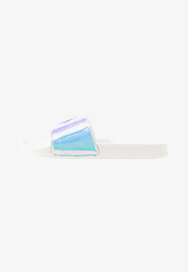 EMERALD  - Pantolette flach - white/holo