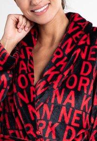 DKNY Loungewear - Bademantel - cranberry token - 3