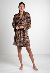 DKNY Loungewear - Dressing gown - animal - 0