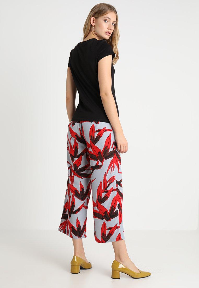 Kiomi BasiqueBlack Kiomi shirt shirt T Kiomi Kiomi shirt BasiqueBlack T T shirt T BasiqueBlack yb6Ygvf7