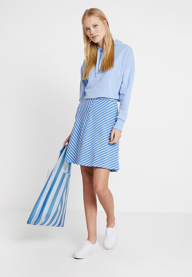 TOM TAILOR - EASY STRIPED SKIRT - Áčková sukně - blue