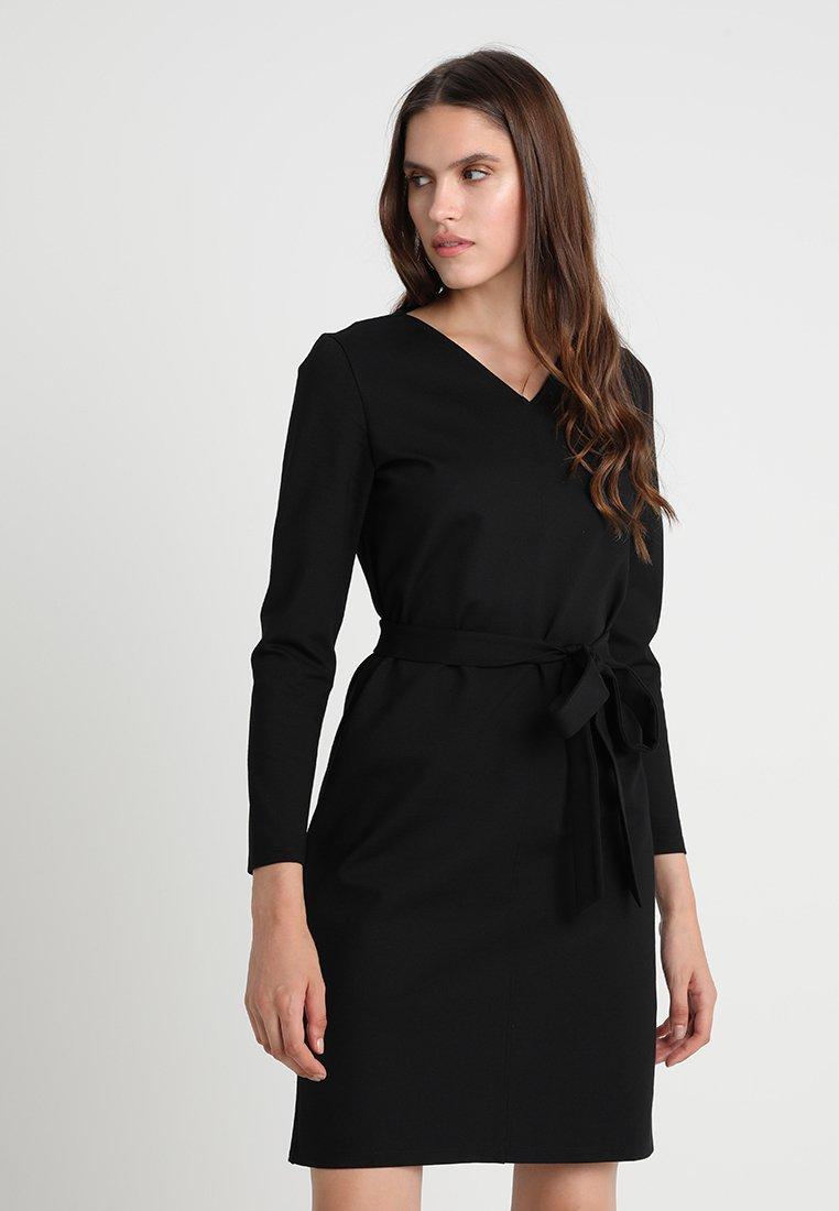 Finery London - WORKWEAR SHIFT DRESS - Robe en jersey - black
