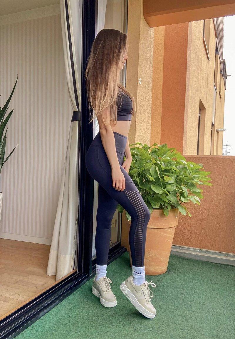 enisazej_