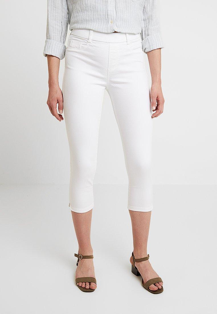 Dorothy Perkins - EDEN CROP - Jeans Shorts - white