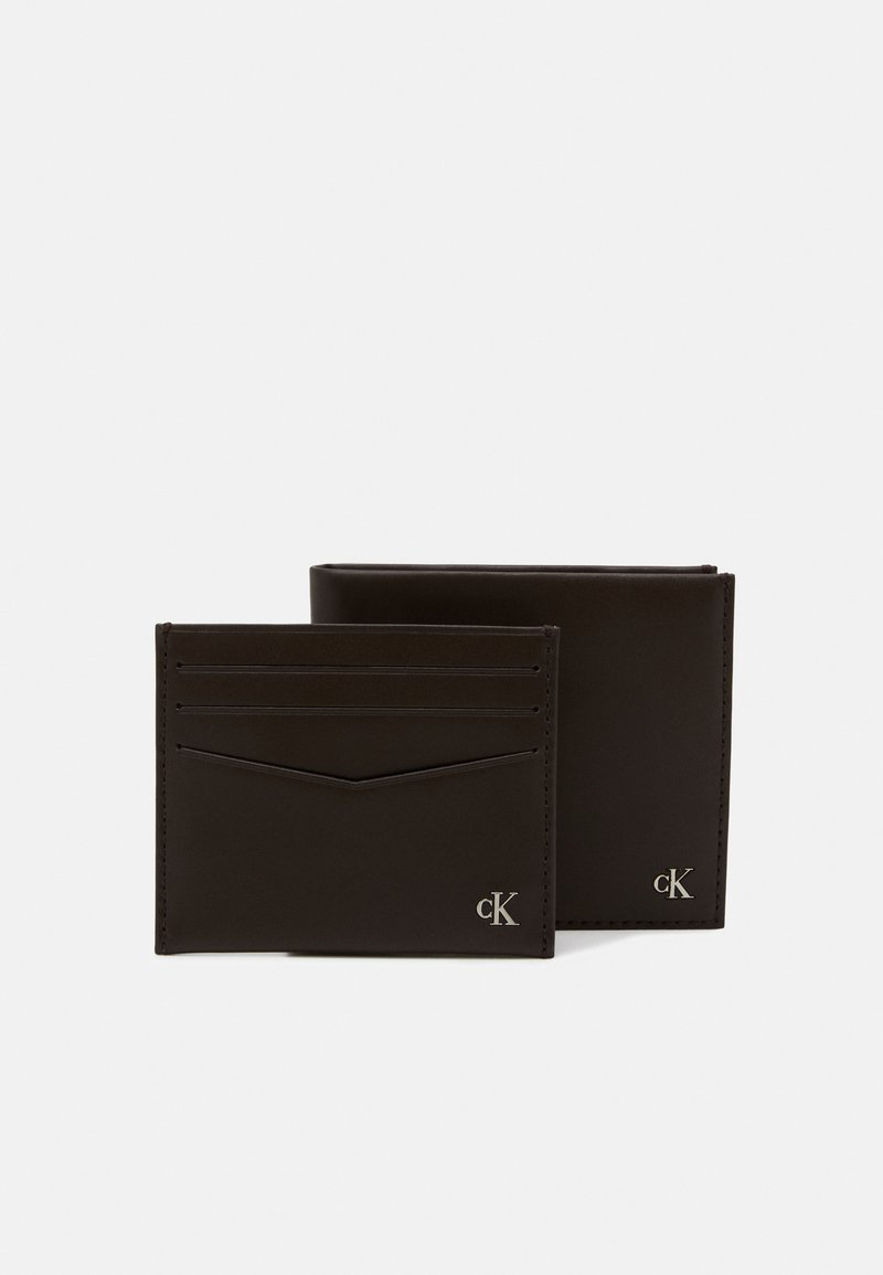 Calvin Klein Jeans - BIFOLD COIN CARDCASE SET - Pouzdro na vizitky - brown