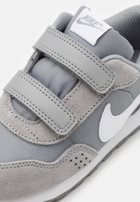 Nike Sportswear - VALIANT - Baskets basses - particle grey/white - 5