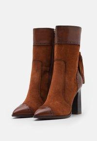 Tamaris Heart & Sole - BOOTS - Kozačky na vysokém podpatku - brandy - 2