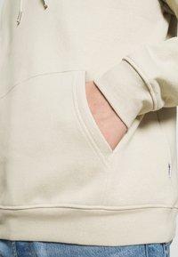 YOURTURN - BOLD SCRIPT HOODIE UNISEX - Sweatshirt - beige - 6