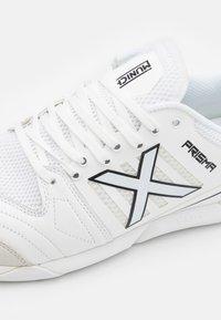 Munich - PRISMA - Indoor football boots - white - 5