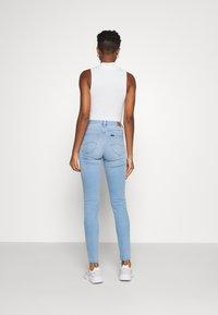 Lee - SCARLETT HIGH - Jeans Skinny Fit - bleached azur - 2