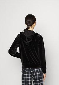 Vila - VIVELVETTA ZIP HOODIE - Zip-up hoodie - black - 2