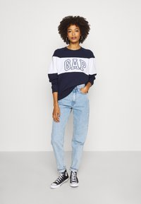 GAP - ORIGINAL CREW - Sweatshirt - navy uniform