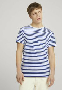 TOM TAILOR DENIM - Print T-shirt - blue white thin stripe - 0