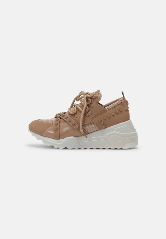 CURB - Sneakers laag - blush