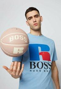 BOSS - Print T-shirt - open blue - 3
