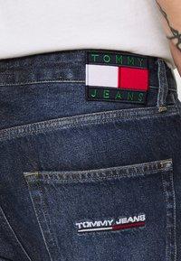 Tommy Jeans - DAD JEAN STRAIGHT - Jeans straight leg - dark-blue denim - 4