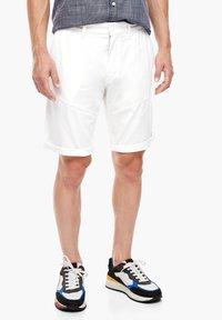 s.Oliver - Shorts - white - 4