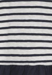 Ebbe - BELLE - Žerzejové šaty - off-white/dark-navy - 3