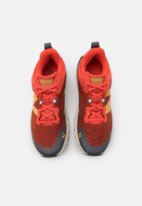 New Balance - HIERRO V6 - Trail running shoes - orange - 3