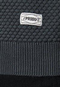 Produkt - PKTHNN  - Sweter - grey - 5