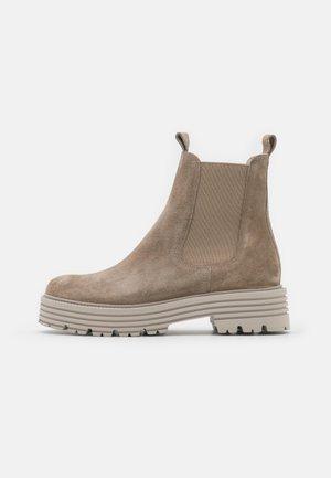 MORI - Kotníkové boty na platformě - biscuit