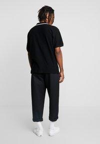 Obey Clothing - CHUNK CLASSIC - Polo shirt - black/multi - 2