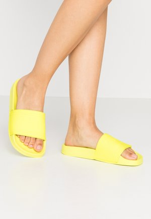 Pool slides - neon yellow