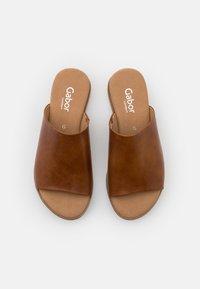 Gabor Comfort - Mules - camel - 5