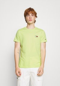 Tommy Jeans - CHEST LOGO TEE - Print T-shirt - green - 0