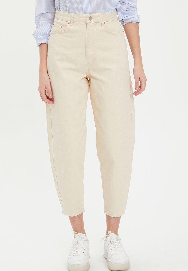 DeFacto - Trousers - ecru