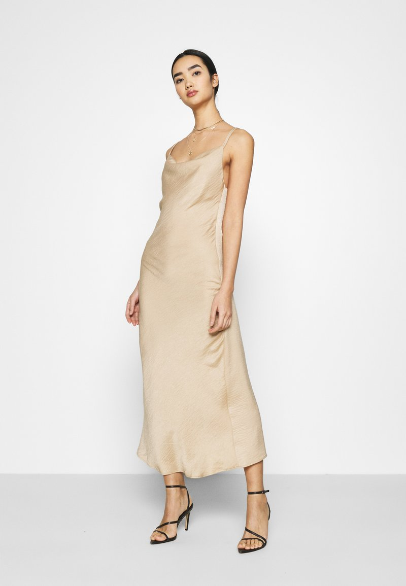 Vero Moda - VMCENTURY OPEN BACK DRESS - Ballkjole - gilded beige