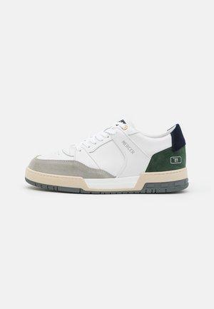 "BASKET ""89 - Tenisky - vintage green/navy"