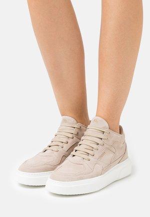 Sneakers hoog - crosta