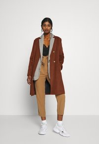 Selected Femme Petite - SLFMELLA  COAT - Classic coat - bordeaux - 1