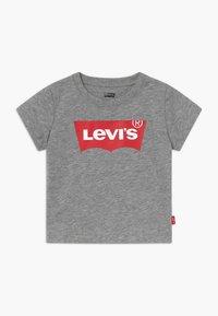 Levi's® - BATWING TEE - Triko spotiskem - grey heather - 0