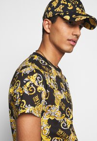 Versace Jeans Couture - PRINT NEW LOGO - Print T-shirt - nero - 3