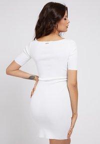 Guess - Shift dress - weiß - 2