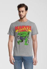 Re:Covered - MARVEL COMICS HULK  - T-shirt print - hellgrau - 0