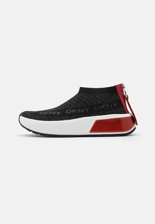 DRAYA SLIP ON  - Tenisky - black/red