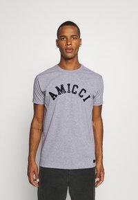 AMICCI - SORA  - Print T-shirt - grey - 0
