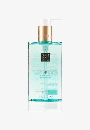 THE RITUAL OF KARMA HAND WASH - Liquid soap - -