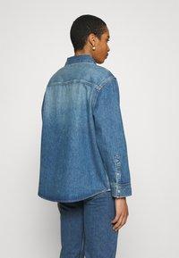 Calvin Klein Jeans - OVERSHIRT - Skjorte - blue - 2